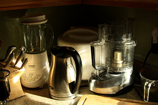 small kitchen appliances, blender, kettle, dehydrator, food processor